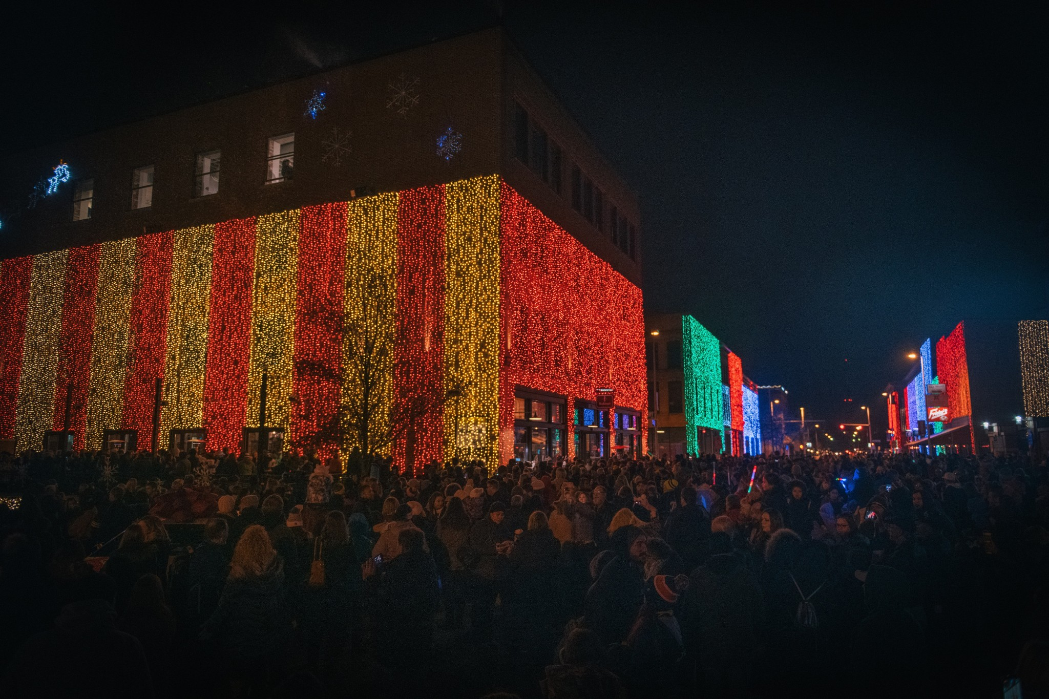 Hensville Lights is returning bigger and brighter for the 2019 holiday season. From Nov. 23 through Jan. 5, 2020, 200,000 twinkling lights will transform the buildings along St. Clair Street in downtown Toledo into a sparkling holiday wonderland. ( Hensville/Robert Wagner)