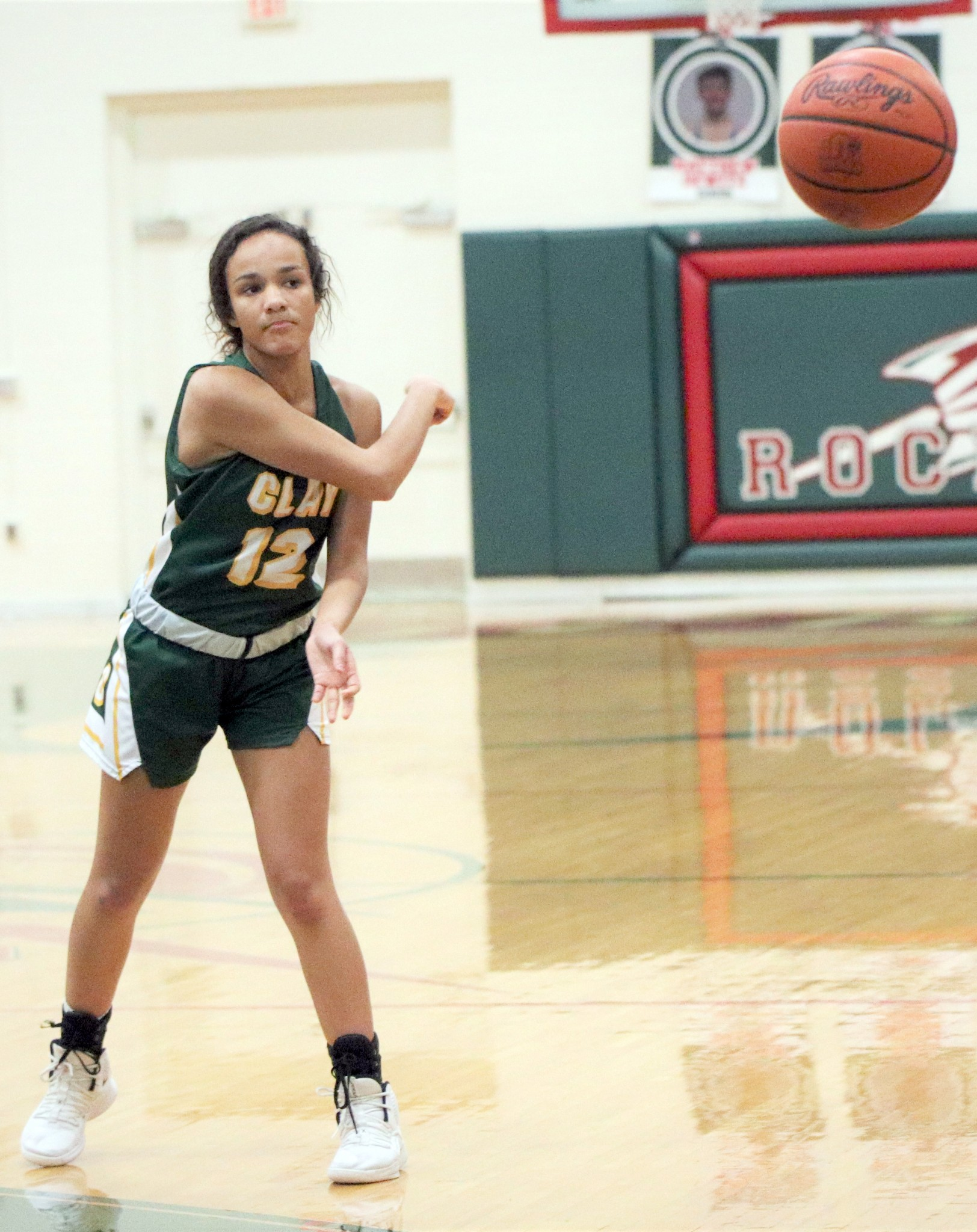 Clay senior guard Faith Johnson. (Photo by Laura Bolander)
